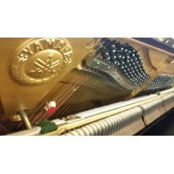 Yamaha U3 usado