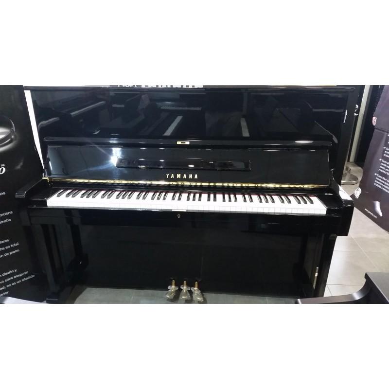 Yamaha U1 usado
